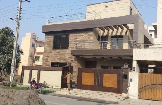 10 Marla Brand New House Double Unit Facing Park